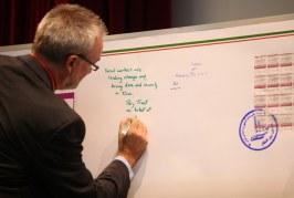 تمبر یادبود کنگره بین المللی ۶۰ سال مددکاری اجتماعی