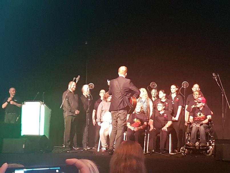 مراسم افتتاحیه کنفرانس سرودخوانی یکی از گروه های هدف مددکاری اجتماعی اهل دوبلین