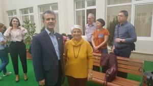 رئیس انجمن در کنار رئیس انجمن بین المللی مدارس مددکاری اجتماعی